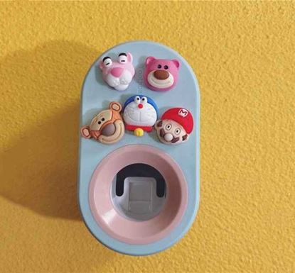 Wall Mounted Compact Automatic Toothpaste Dispenser SK
